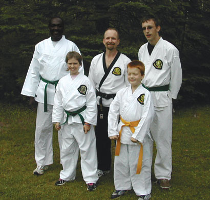 4 Students Test to Next Belt Level